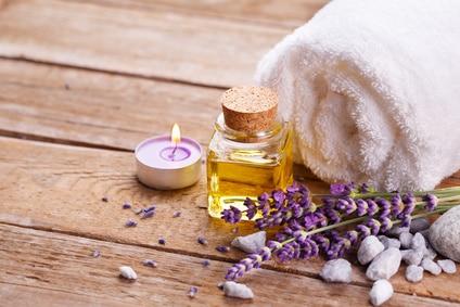 Lavendelöl Kaufen - Das Sollten Sie Bei Der Anwendung Beachten Positive Wirkung Lavendel Pflege