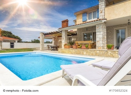 Swimmingpool reinigen und pflegen darauf sollten sich achten - Pool filter reinigen ...