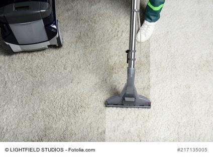Sehr Teppichboden reinigen - selber machen oder einen Profi anfordern? UL74